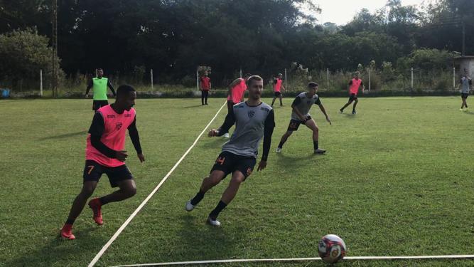 Para manter a liderança: São Luiz prepara o time para enfrentar o Pelotas